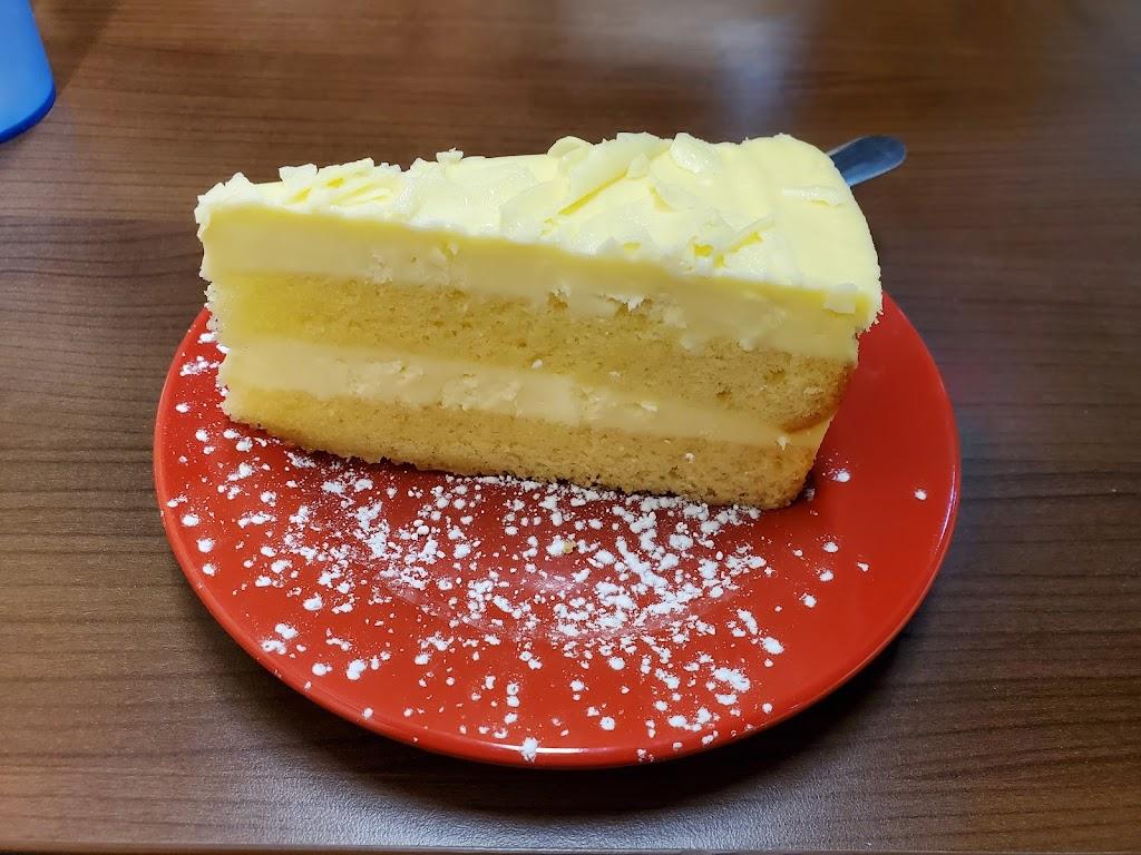 Ginas Trattoria   restaurant   98 E Midland Trail, Lexington, VA 24450, USA   5404618644 OR +1 540-461-8644
