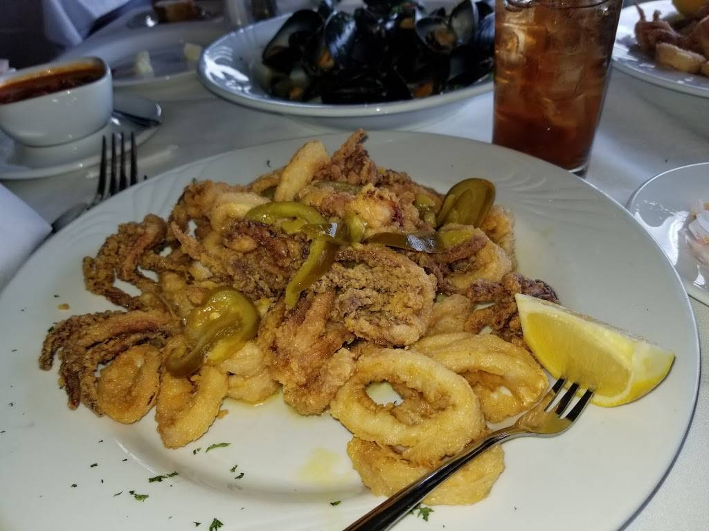 Alexs Bar and Grille   restaurant   577 N Broadway, White Plains, NY 10603, USA   9143581444 OR +1 914-358-1444