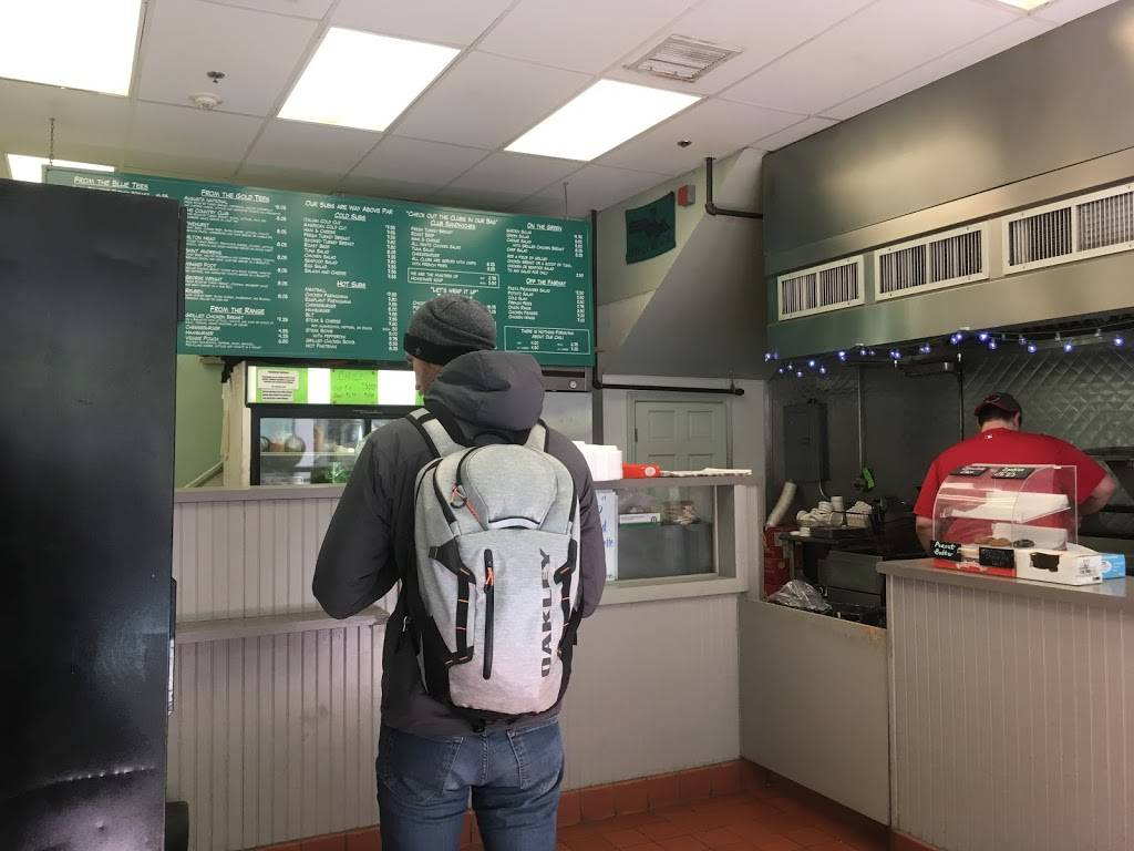 Mulligans | restaurant | 83 Canal St, Boston, MA 02114, USA