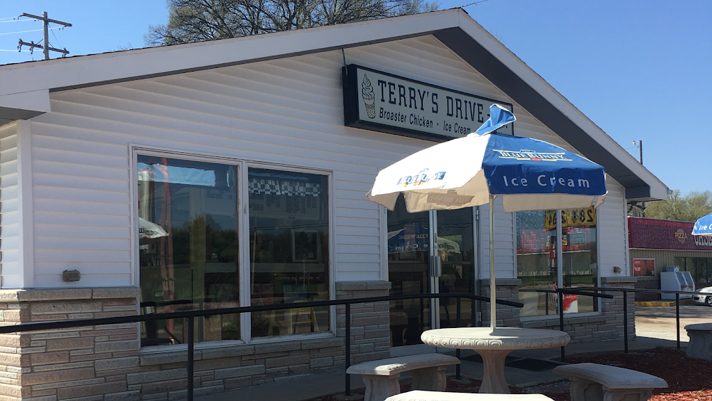 Terrys Drive-In | restaurant | 411 Highway 81-92, US-81, Osceola, NE 68651, USA | 4027476551 OR +1 402-747-6551