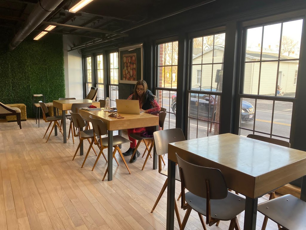 Good Earth Holistic Kitchen | restaurant | 43 Broad St Suite 101, Hudson, MA 01749, USA