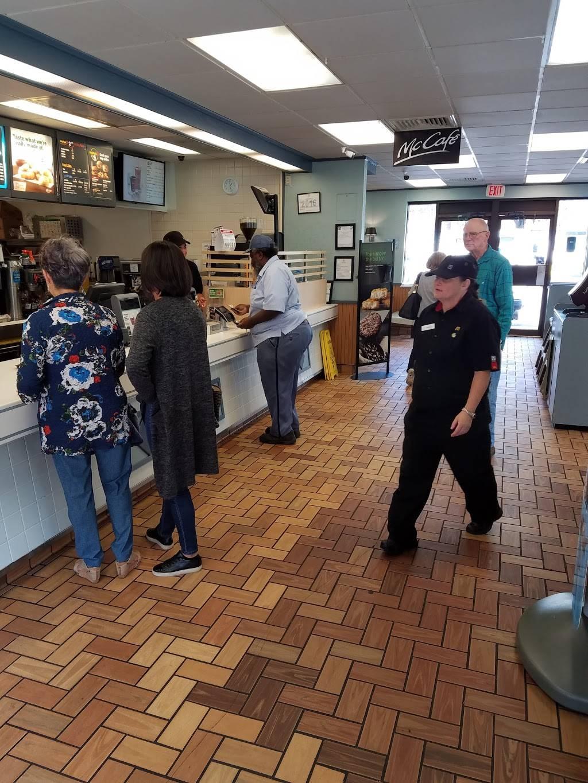 McDonalds   restaurant   3924 Old Lee Hwy, Fairfax, VA 22030, USA   7032737570 OR +1 703-273-7570