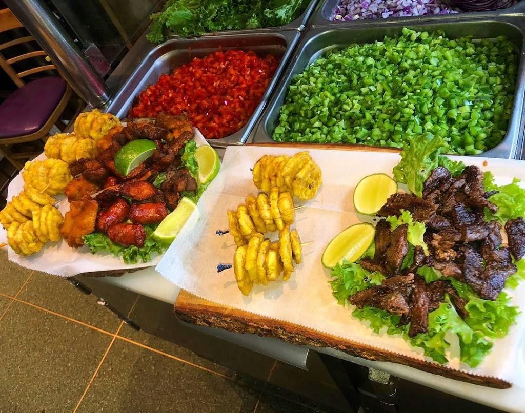 Titos Empanadas & Mas | restaurant | 1221 Jerome Ave, Bronx, NY 10452, USA | 9178193056 OR +1 917-819-3056
