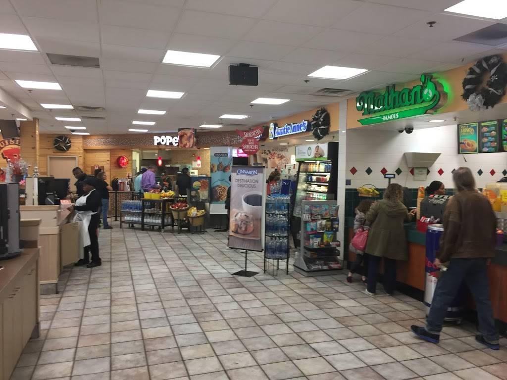 Popeyes Louisiana Kitchen   restaurant   Mile Marker 116, Vince Lombardi Travel Center, NJ Tpke, Ridgefield, NJ 07657, USA   2019431171 OR +1 201-943-1171