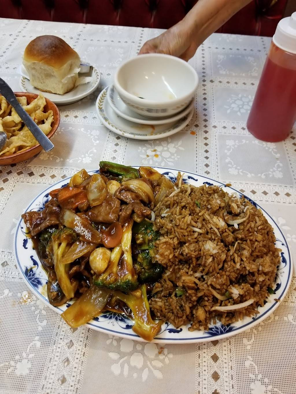 Loung Hing Restaurant | restaurant | 22339 Ecorse Rd, Taylor, MI 48180, USA | 3132925970 OR +1 313-292-5970
