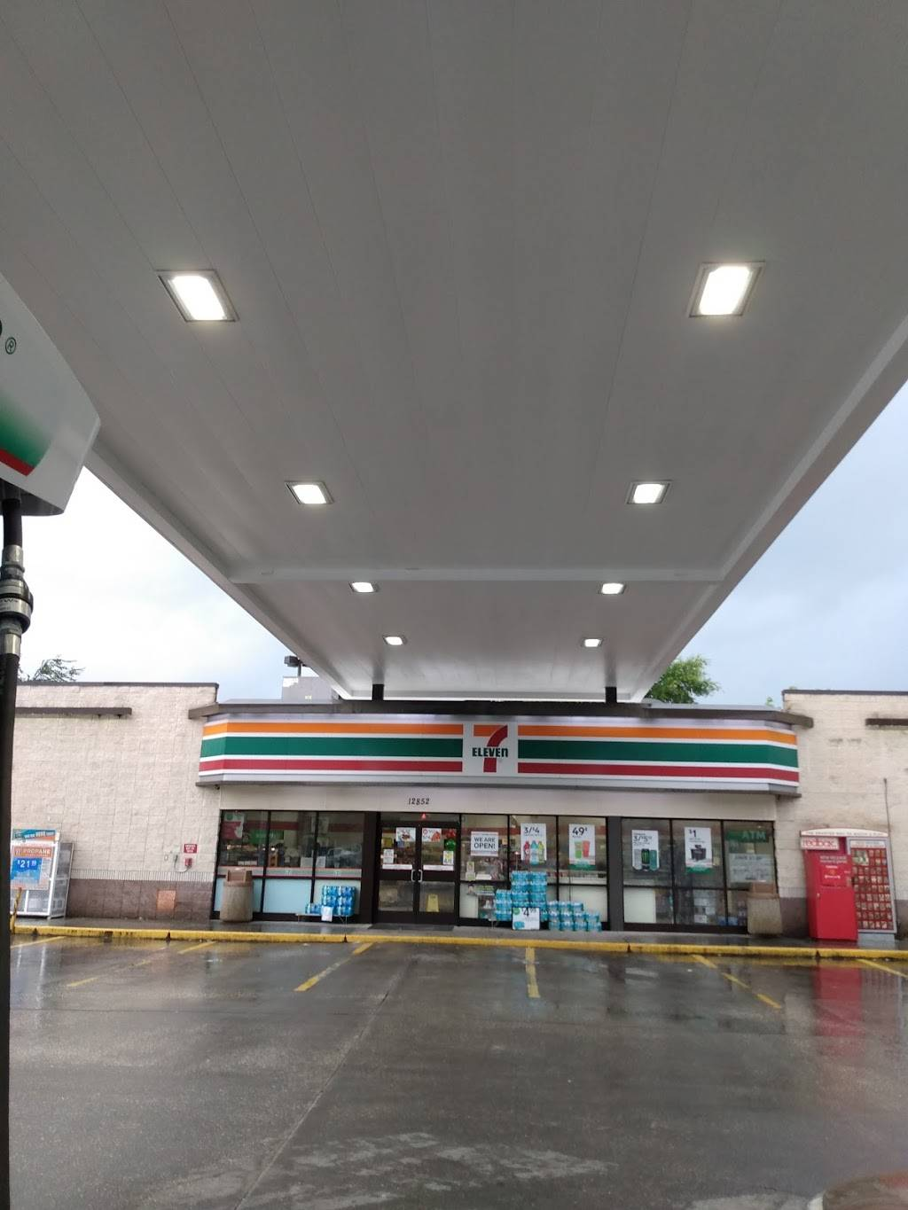 7-Eleven   bakery   12852 State Rd 52, Hudson, FL 34669, USA   7273790233 OR +1 727-379-0233