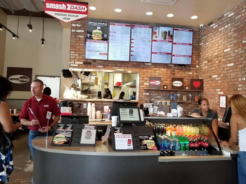 Smashburger   restaurant   528 Gateway Dr, Brooklyn, NY 11239, USA   7182356900 OR +1 718-235-6900