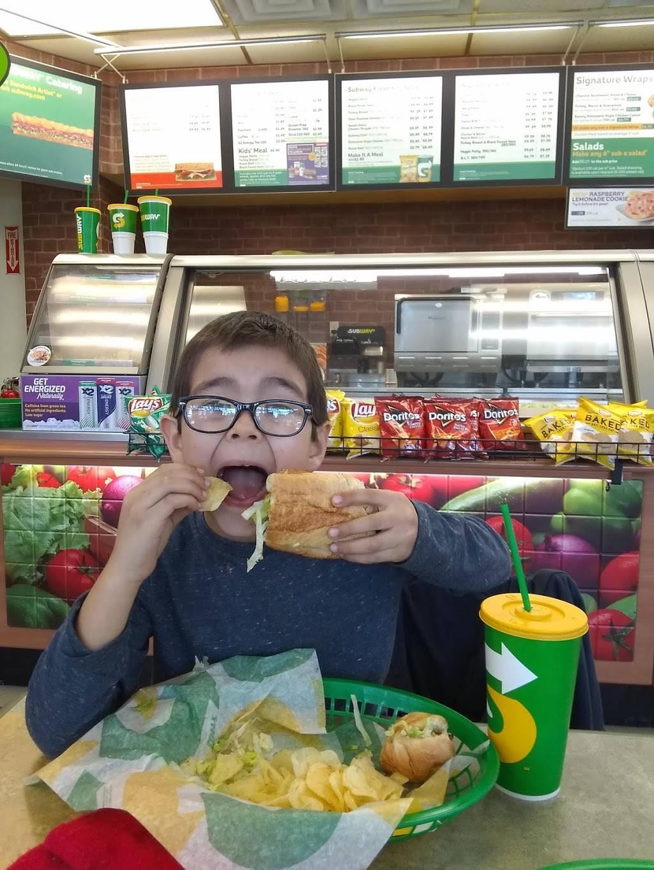 Subway | meal takeaway | 406 W 8th St, Vancouver, WA 98660, USA | 3606952894 OR +1 360-695-2894