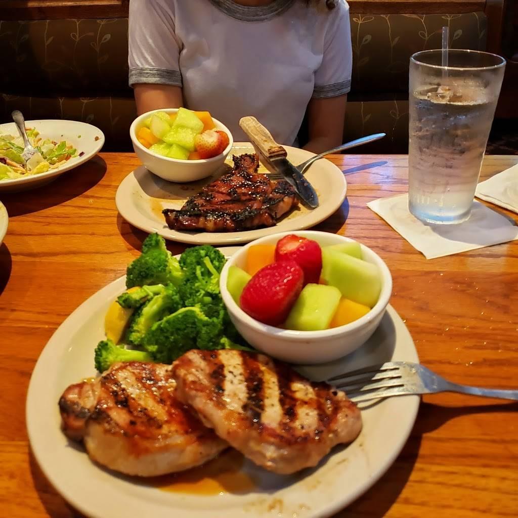 Raffertys of Clarksville   restaurant   2813 Wilma Rudolph Blvd, Clarksville, TN 37040, USA   9315530457 OR +1 931-553-0457