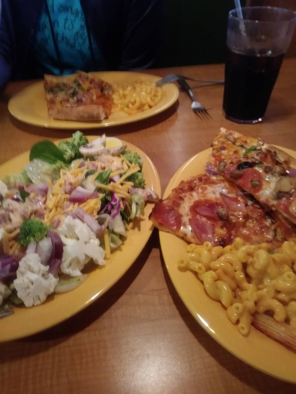 Mazzios Italian Eatery | meal delivery | 2200 E Mechanic St, Harrisonville, MO 64701, USA | 8168842300 OR +1 816-884-2300