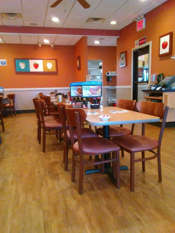 IHOP | restaurant | 961 E 174th St, Bronx, NY 10460, USA | 7188604467 OR +1 718-860-4467