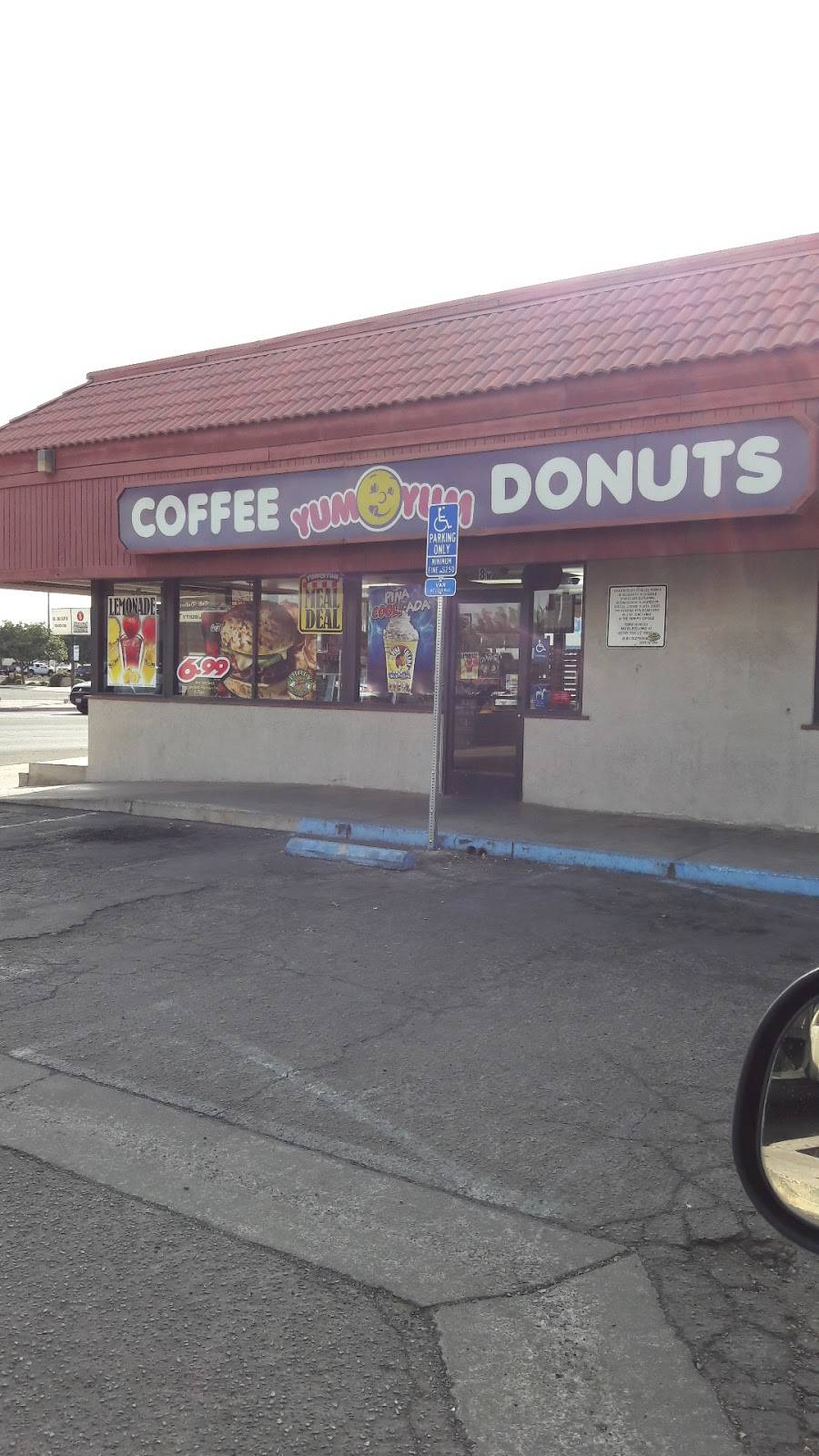 Yum Yum Donuts | bakery | 8 Olive Ave, Porterville, CA 93257, USA | 5597849717 OR +1 559-784-9717