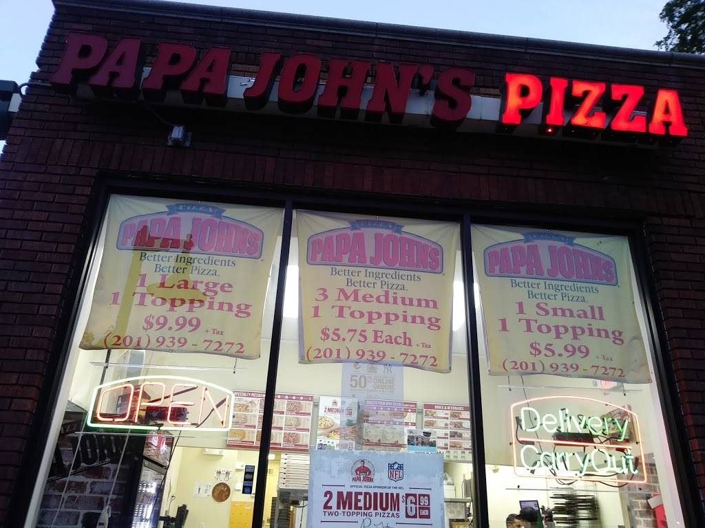Papa Johns Pizza | restaurant | 217 Paterson Ave, East Rutherford, NJ 07073, USA | 2019397272 OR +1 201-939-7272