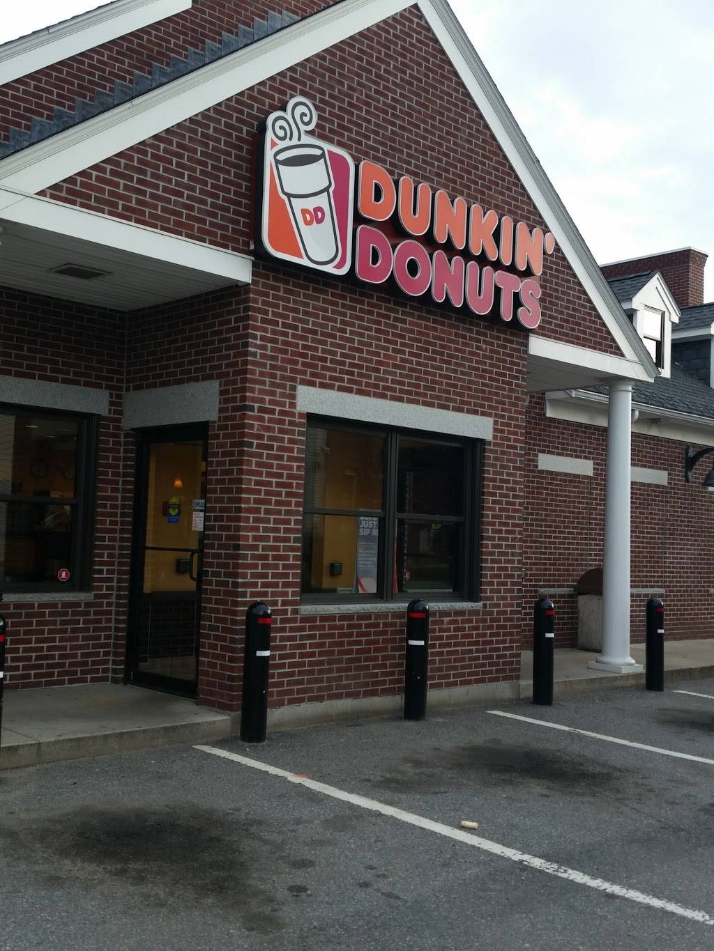 Dunkin | bakery | 556 Dutton St, Lowell, MA 01854, USA | 9787354527 OR +1 978-735-4527