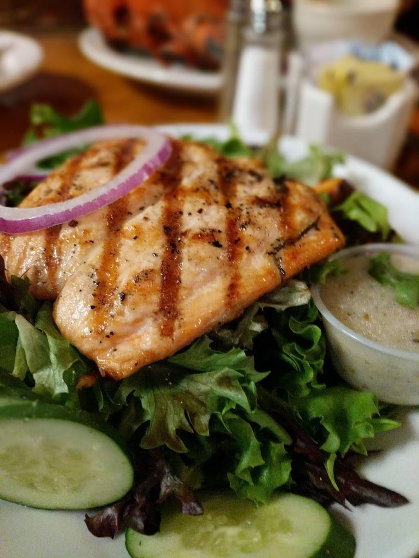 The Old Salt Restaurant at Lamies Inn | restaurant | 490 Lafayette Rd #9, Hampton, NH 03842, USA | 6039268322 OR +1 603-926-8322