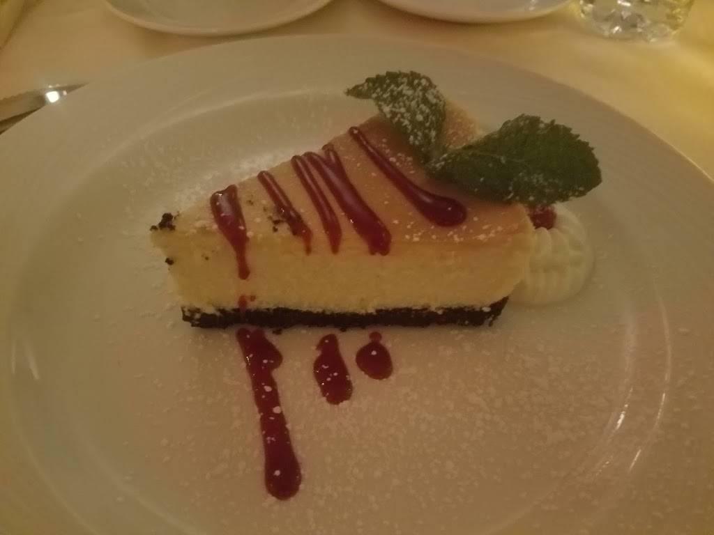 Meze Mediterraneo | restaurant | 680 Mall Dr, Schaumburg, IL 60173, USA | 8475986393 OR +1 847-598-6393