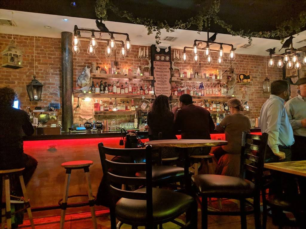 THE HUNTRESS whiskey n' wings | restaurant | 2403 41st Ave, Long Island City, NY 11101, USA | 7186852922 OR +1 718-685-2922