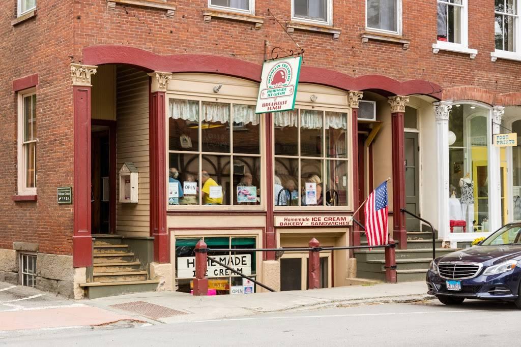 Mountain Creamery   restaurant   33 Central St #101, Woodstock, VT 05091, USA   8024571715 OR +1 802-457-1715