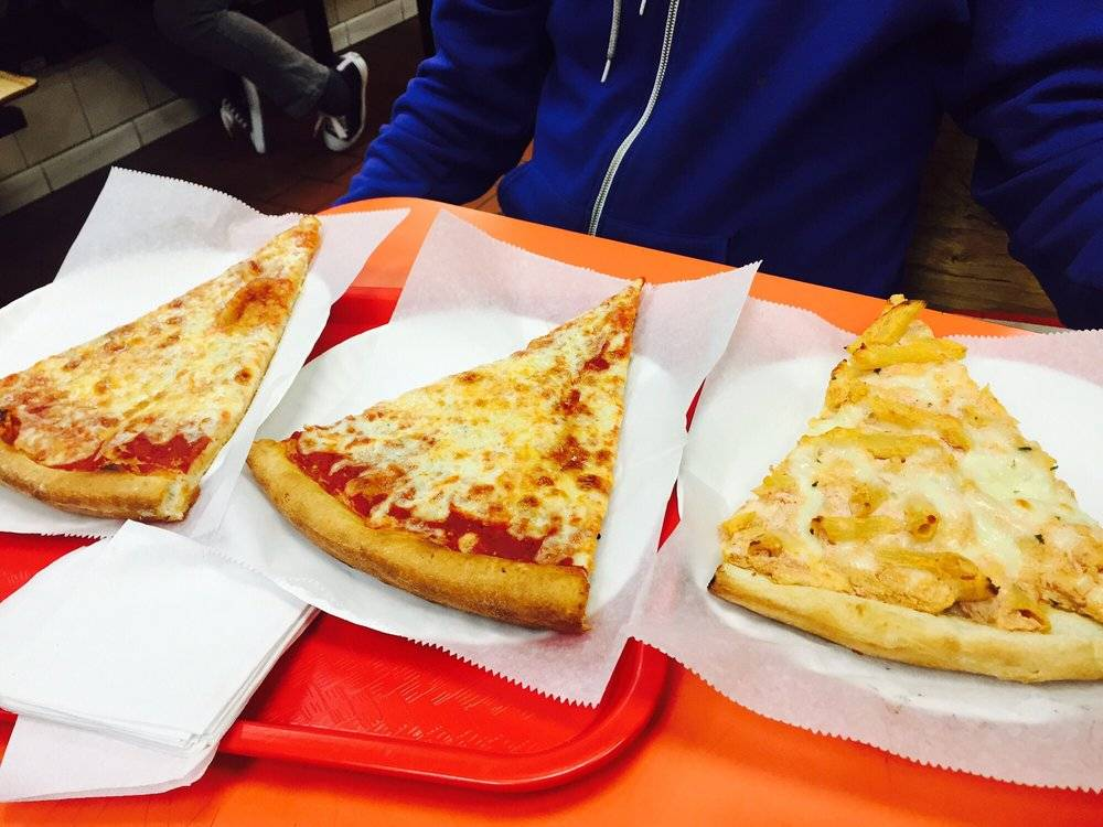 Russ Pizza | meal delivery | 745 Manhattan Ave, Brooklyn, NY 11222, USA | 7183839463 OR +1 718-383-9463
