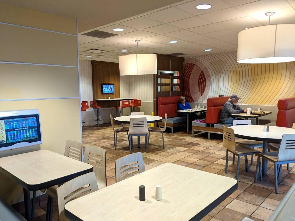 McDonalds | cafe | 13011 Hull Street Rd, Midlothian, VA 23112, USA | 8047446710 OR +1 804-744-6710