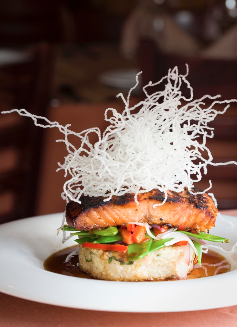 Blaze Smith Hill | restaurant | 209 Douglas Ave, Providence, RI 02908, USA | 4012703100 OR +1 401-270-3100