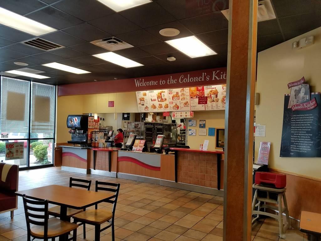 KFC   restaurant   5420 Boydton Plank Rd, Petersburg, VA 23803, USA   8048614065 OR +1 804-861-4065