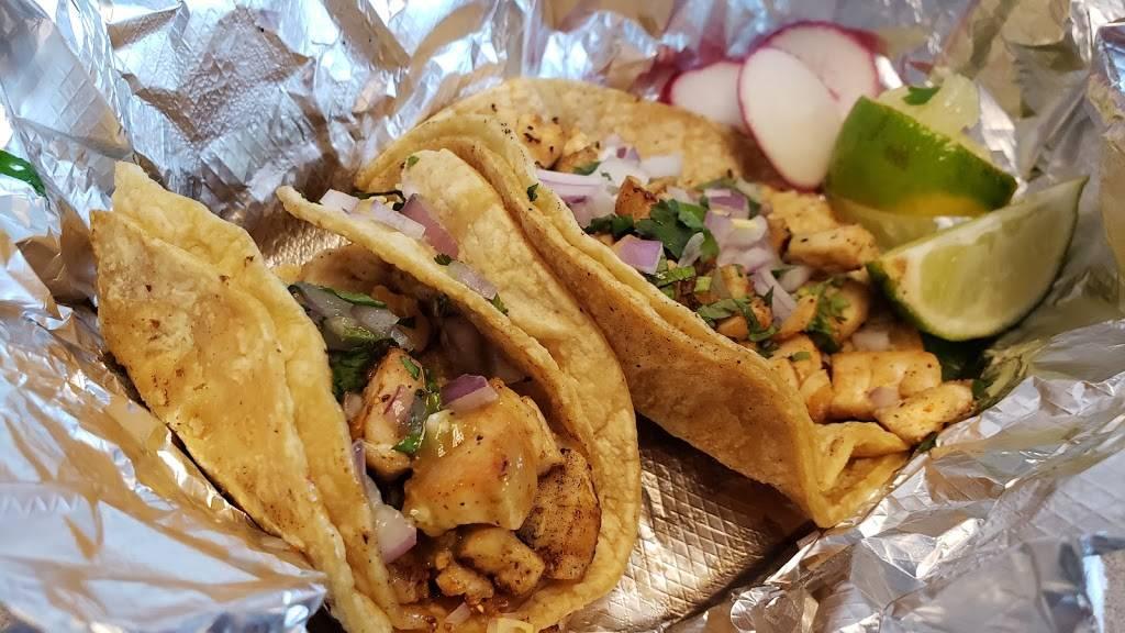 El Bistro Taco | restaurant | 2257 S Oneida St, Green Bay, WI 54304, USA | 9208573939 OR +1 920-857-3939