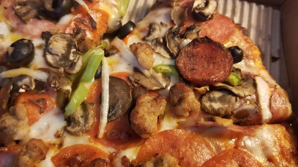 Round Table Pizza | meal delivery | 414 Broadway, Millbrae, CA 94030, USA | 6506975520 OR +1 650-697-5520