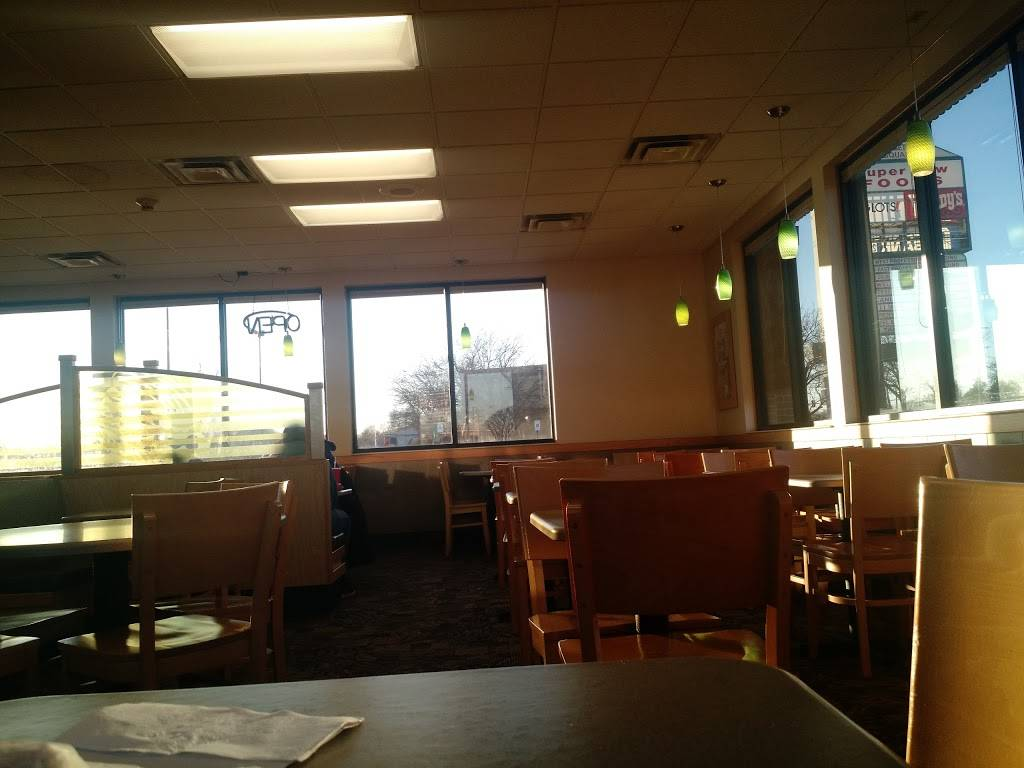 Wendys | restaurant | 467 Georgetown Square, Wood Dale, IL 60191, USA | 6302387984 OR +1 630-238-7984