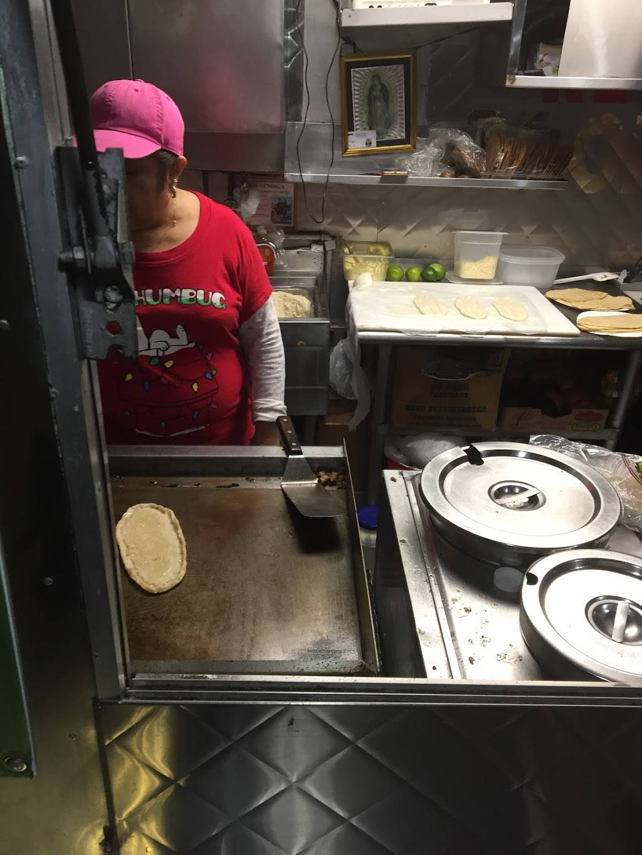 Tacos Rey de Oro   restaurant   Roosevelt Ave, Woodside, NY 11377, USA