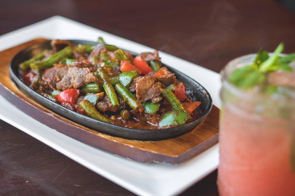 Nur Thai   restaurant   63-32 Woodhaven Blvd, Rego Park, NY 11374, USA   7182556141 OR +1 718-255-6141