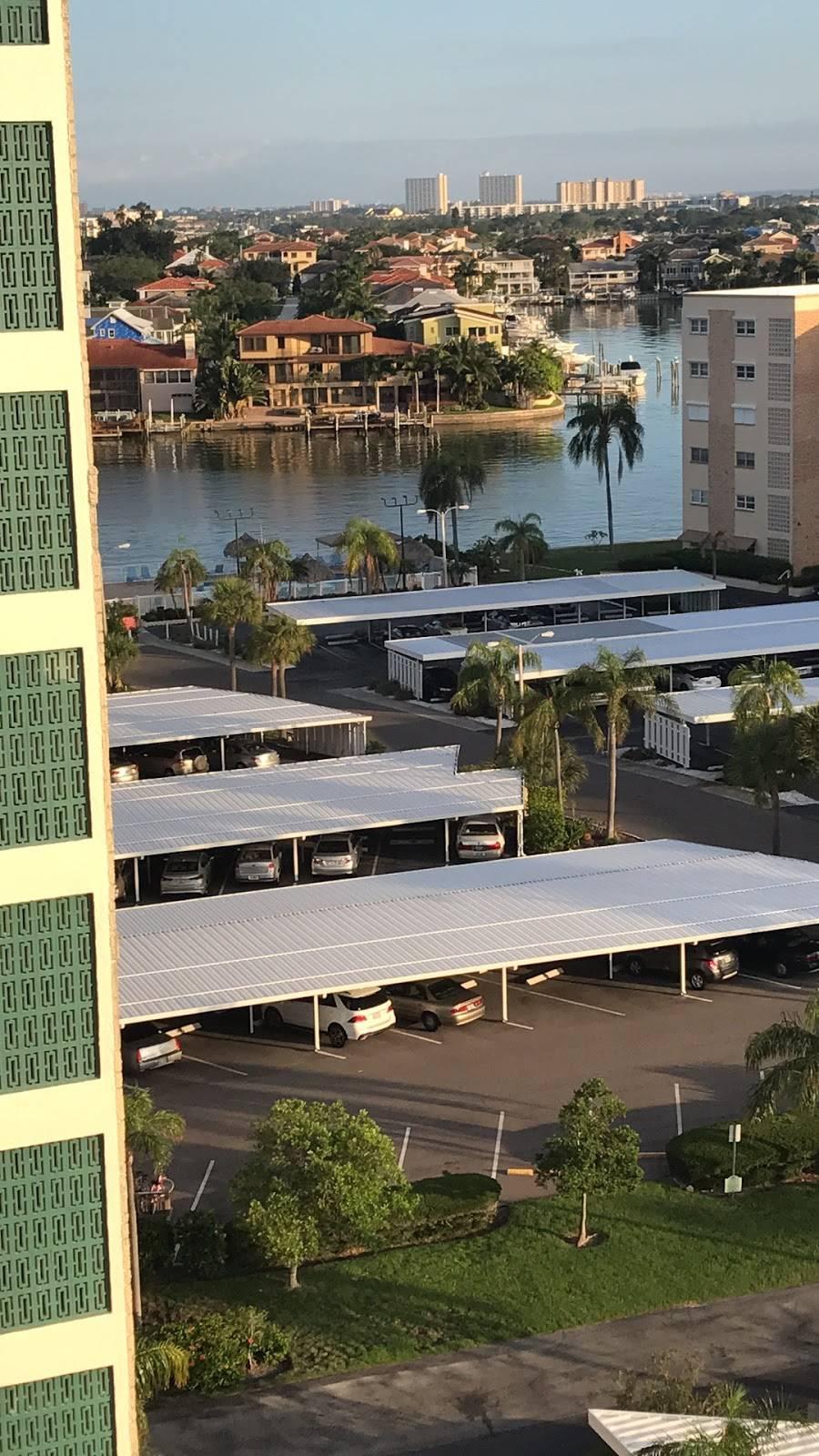 Townshores of Gulfport Inc   restaurant   6025 Shore Blvd S, Gulfport, FL 33707, USA   7273431094 OR +1 727-343-1094
