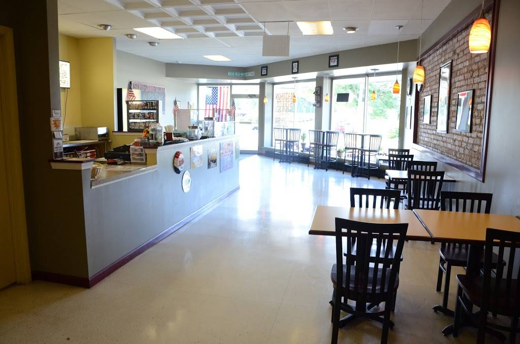 Madison Street Subs | restaurant | 116 Madison St, Walworth, WI 53184, USA | 2623944111 OR +1 262-394-4111