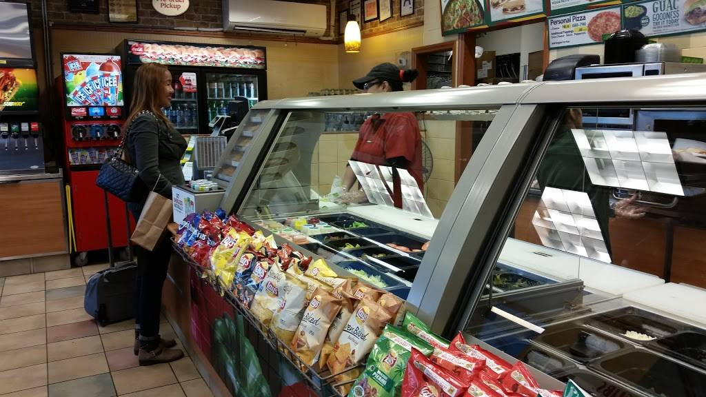 Subway Restaurants   restaurant   150 Bay St, Staten Island, NY 10301, USA   7187271777 OR +1 718-727-1777