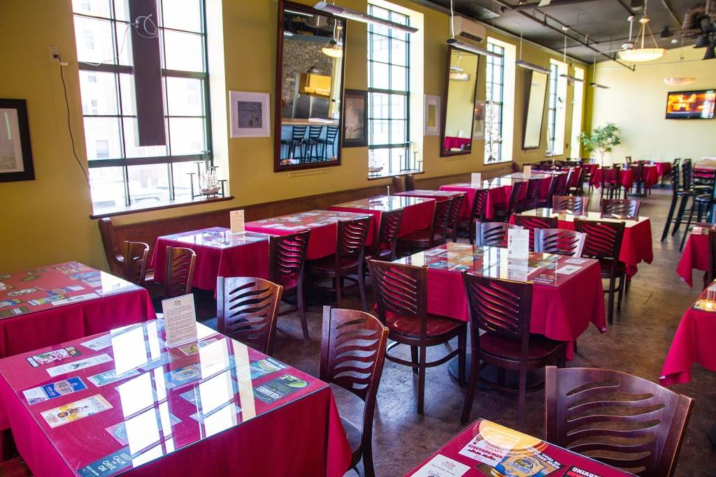 2 Wives Brick Oven Pizza | restaurant | 45 Huntington St, New London, CT 06320, USA | 8604479337 OR +1 860-447-9337