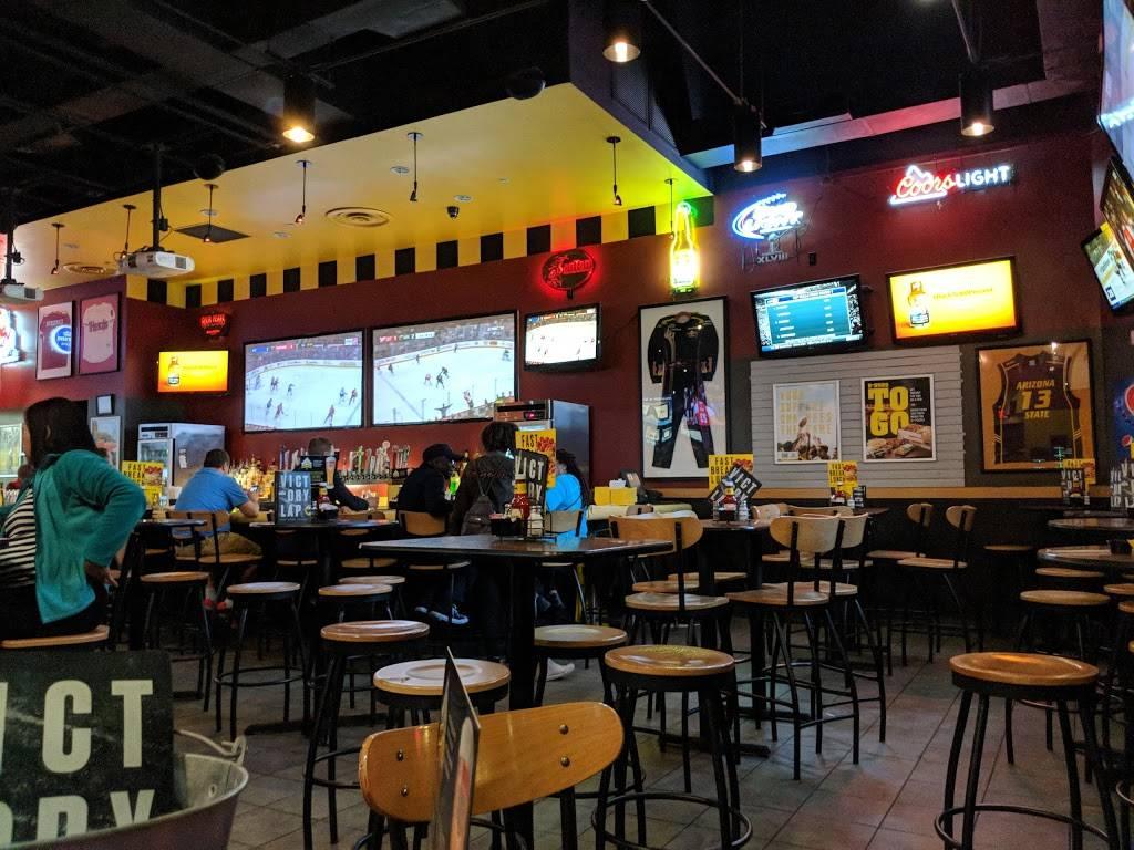 Buffalo Wild Wings | restaurant | 3163 W Chandler Blvd, Chandler, AZ 85226, USA | 4802895200 OR +1 480-289-5200