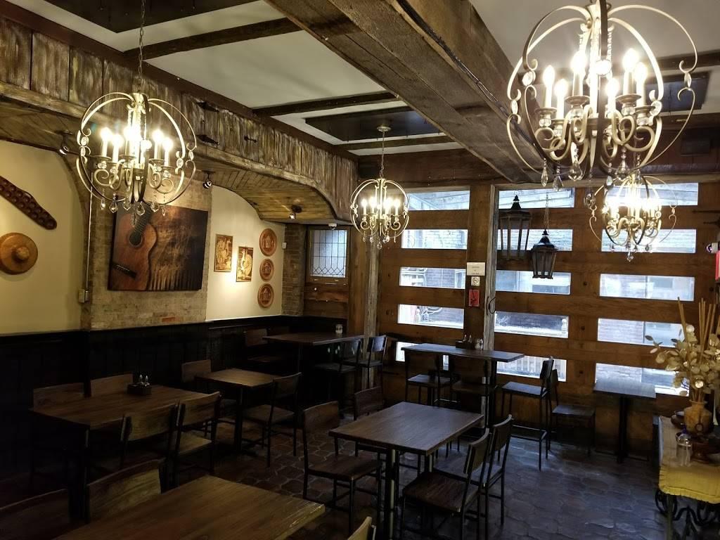 Mama Fina's NYC House of Filipino Sisig | restaurant | 167 Avenue A, New York, NY 10009, USA | 9172620893 OR +1 917-262-0893