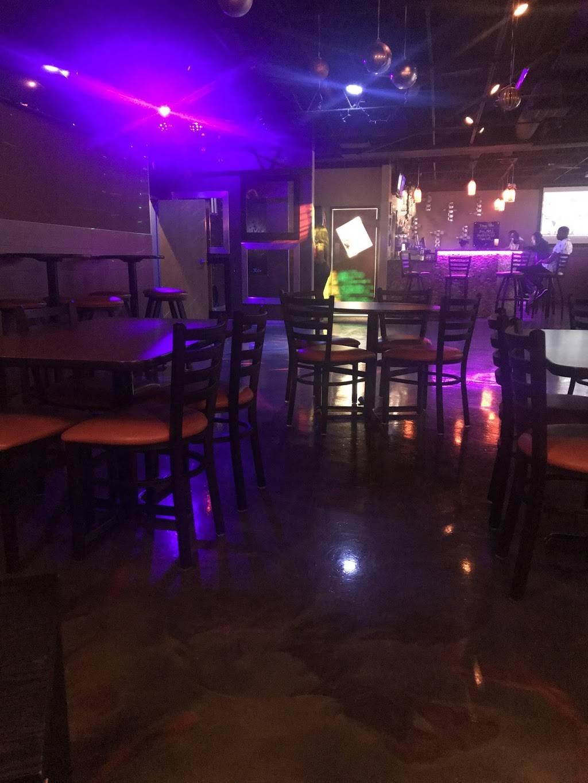 SLR Bar & Grill | restaurant | 16409 South Halstead, Harvey, IL 60426, USA | 7088259654 OR +1 708-825-9654