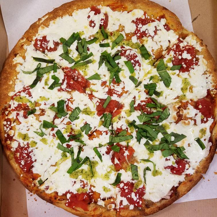Johnnys Pizzeria | restaurant | 520 Bergen Blvd, Palisades Park, NJ 07650, USA | 2019444476 OR +1 201-944-4476