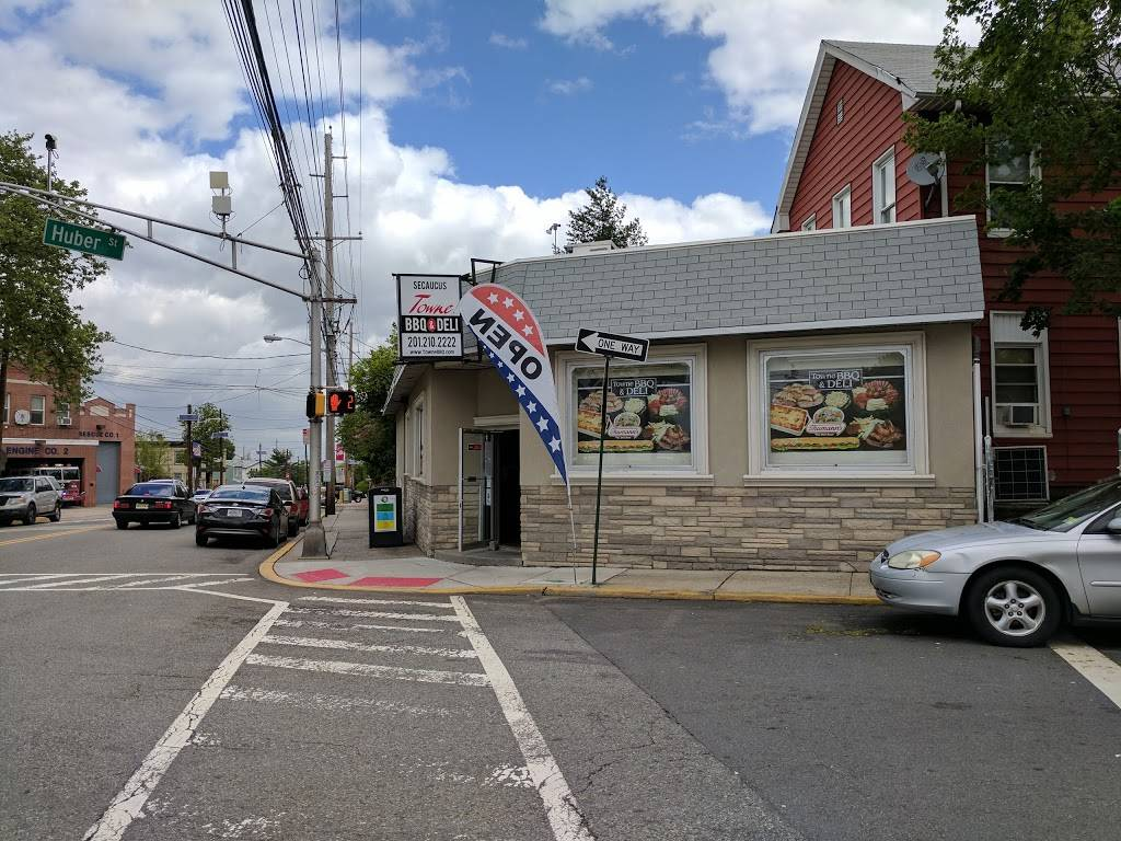 TowneBBQ   restaurant   1554 Paterson Plank Rd, Secaucus, NJ 07094, USA   2012102222 OR +1 201-210-2222