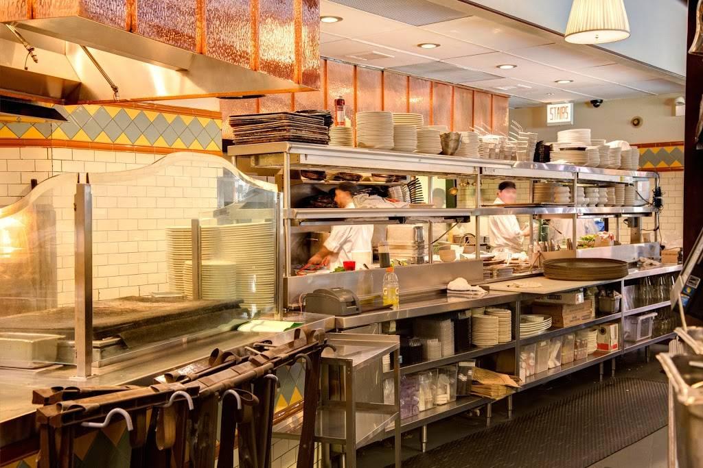 Tavern On Rush | restaurant | 1031 N Rush St, Chicago, IL 60611, USA | 3126649600 OR +1 312-664-9600