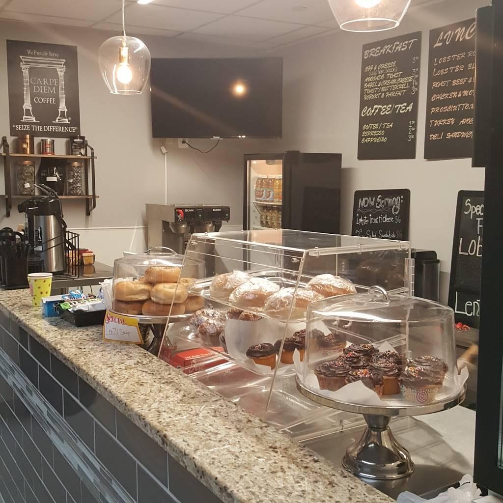 Maine Artisan Cafe | restaurant | 400 Plaza Dr, Secaucus, NJ 07094, USA | 2018853277 OR +1 201-885-3277