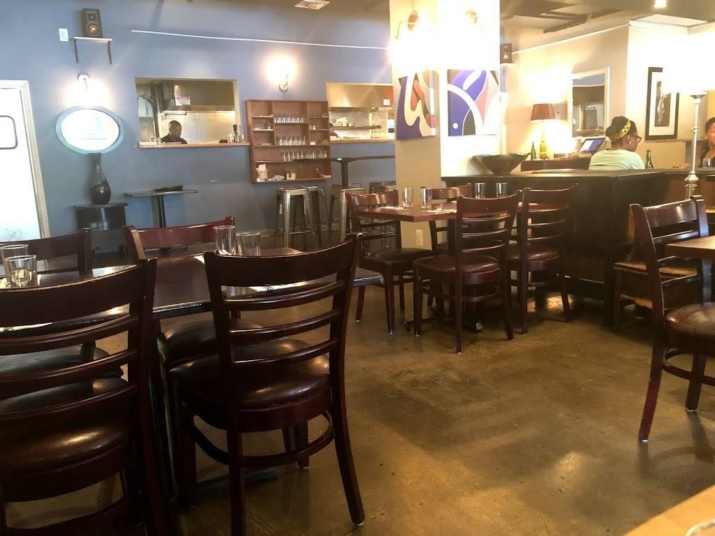 Blujeen | restaurant | 2143 Frederick Douglass Blvd, New York, NY 10026, USA | 2122561073 OR +1 212-256-1073
