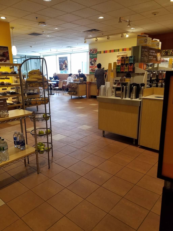 Au Bon Pain   cafe   St. Francis Hospital, 114 Woodland St., Hartford, CT 06105, USA   8602418980 OR +1 860-241-8980