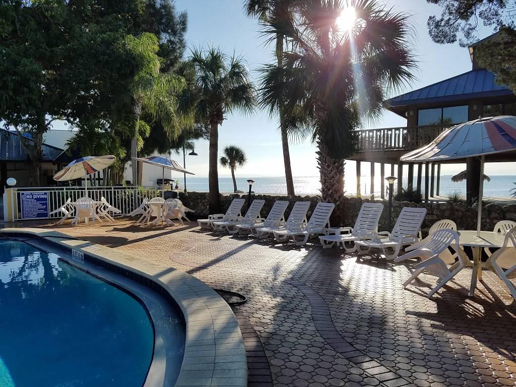Periscope Restaurant | restaurant | 6800 Sunshine Skyway Ln S, St. Petersburg, FL 33711, USA | 7278671151 OR +1 727-867-1151