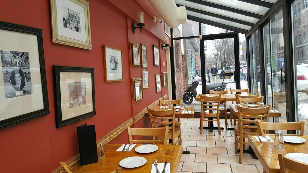 Sacs Place | restaurant | 2541 Broadway, Queens, NY 11106, USA | 7182045002 OR +1 718-204-5002