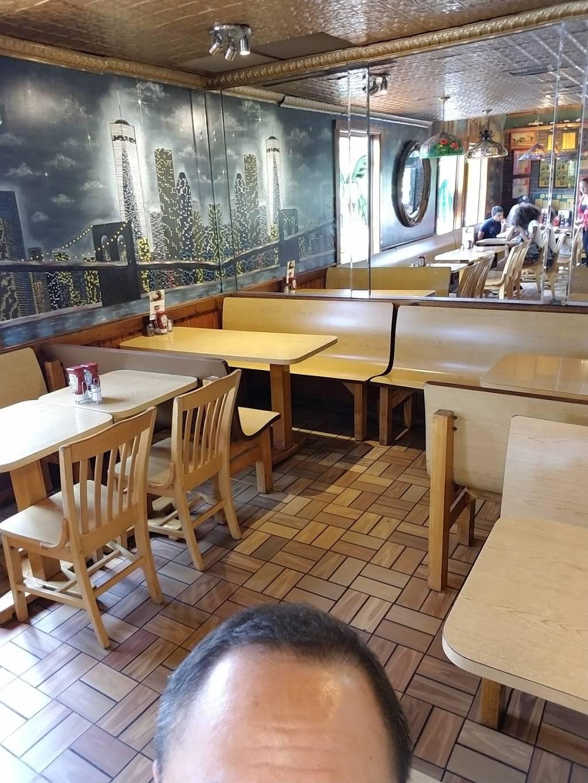 Cubbys BBQ | restaurant | 249 S River St, Hackensack, NJ 07601, USA | 2014889389 OR +1 201-488-9389