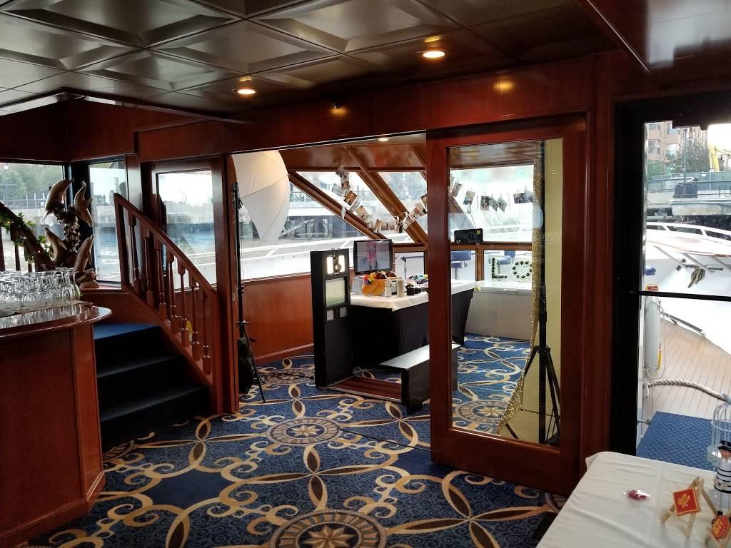 Pier 13 Hoboken | restaurant | 1301 Sinatra Dr N, Hoboken, NJ 07030, USA | 2017988065 OR +1 201-798-8065