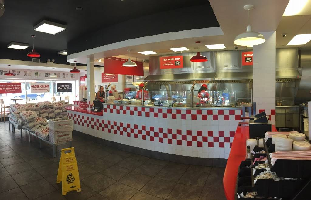 Five Guys | meal takeaway | 2368 N Clark St, Chicago, IL 60614, USA | 7738838930 OR +1 773-883-8930