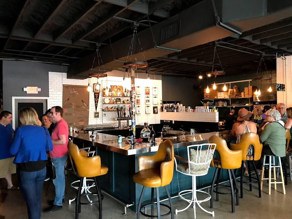 Hawthorne Bottle Shoppe | restaurant | 2927 Central Ave, St. Petersburg, FL 33713, USA | 7278002810 OR +1 727-800-2810